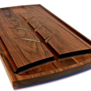 walnut carving board with engraving, juice grooves and well