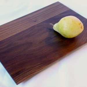 flat grain walnut daily board